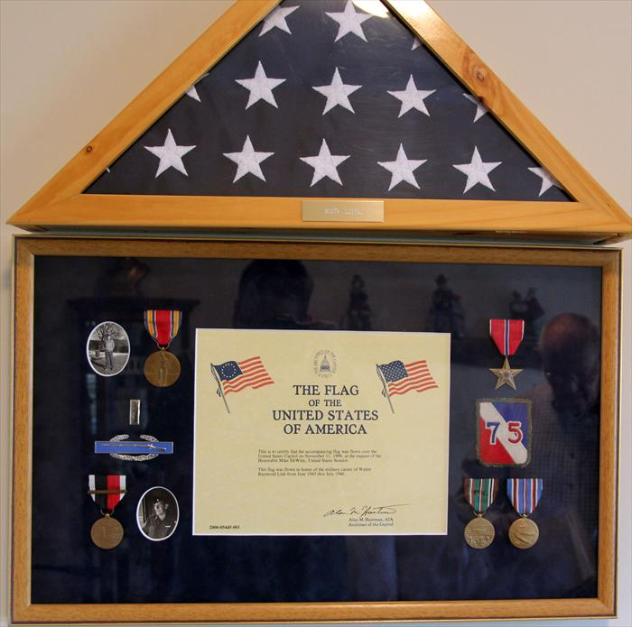 Medals and flag of Walter.