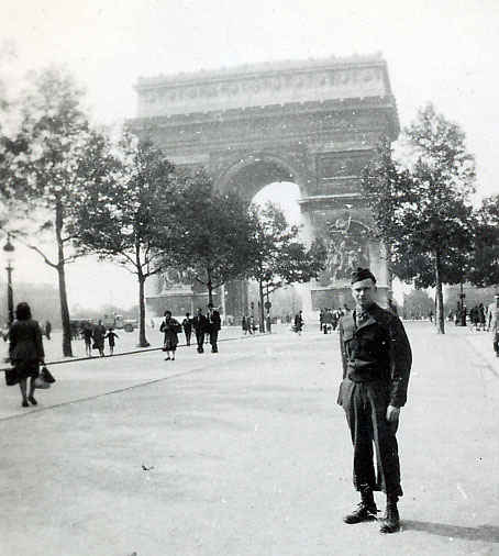 L'Arc De Triomphe Paris, France 1946.