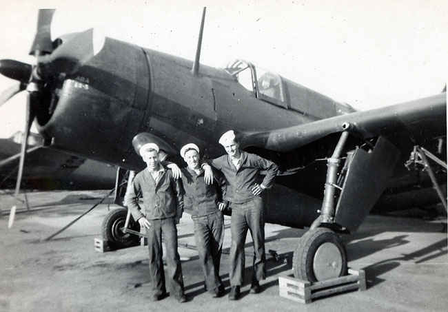 Maybe a torpedo bomber, not sure. Gene in the middle.